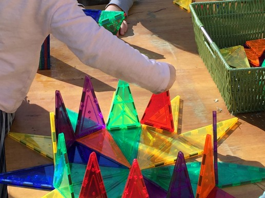 Building a Sun with Magna Tiles